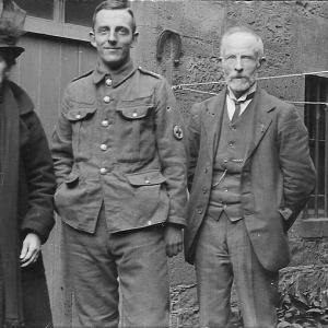 Laing-family-c1917